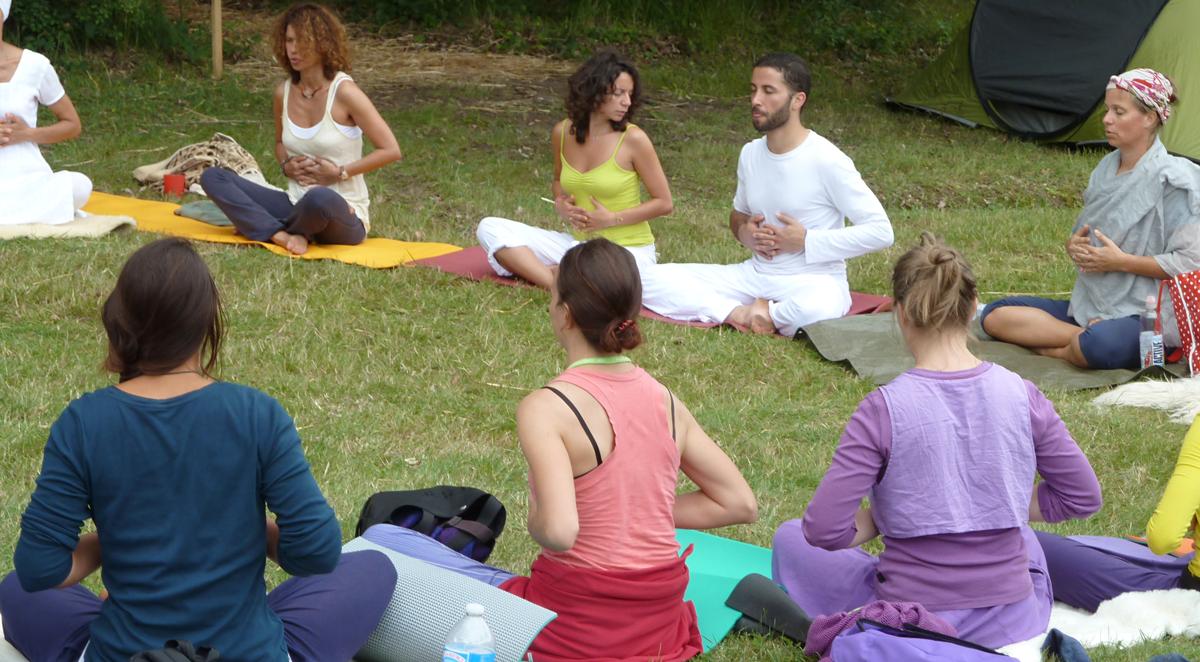 yoga gräset Järna Yogadagar